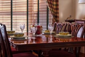 dinner-table-663435__340